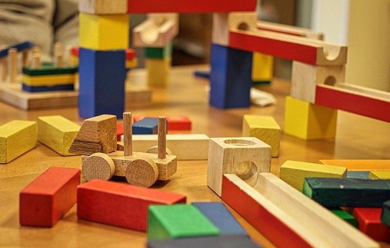 Drvene igračke za djecu najčešće su jednostavne
